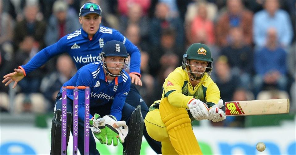 Comprehensive win gives Aussies an early lead